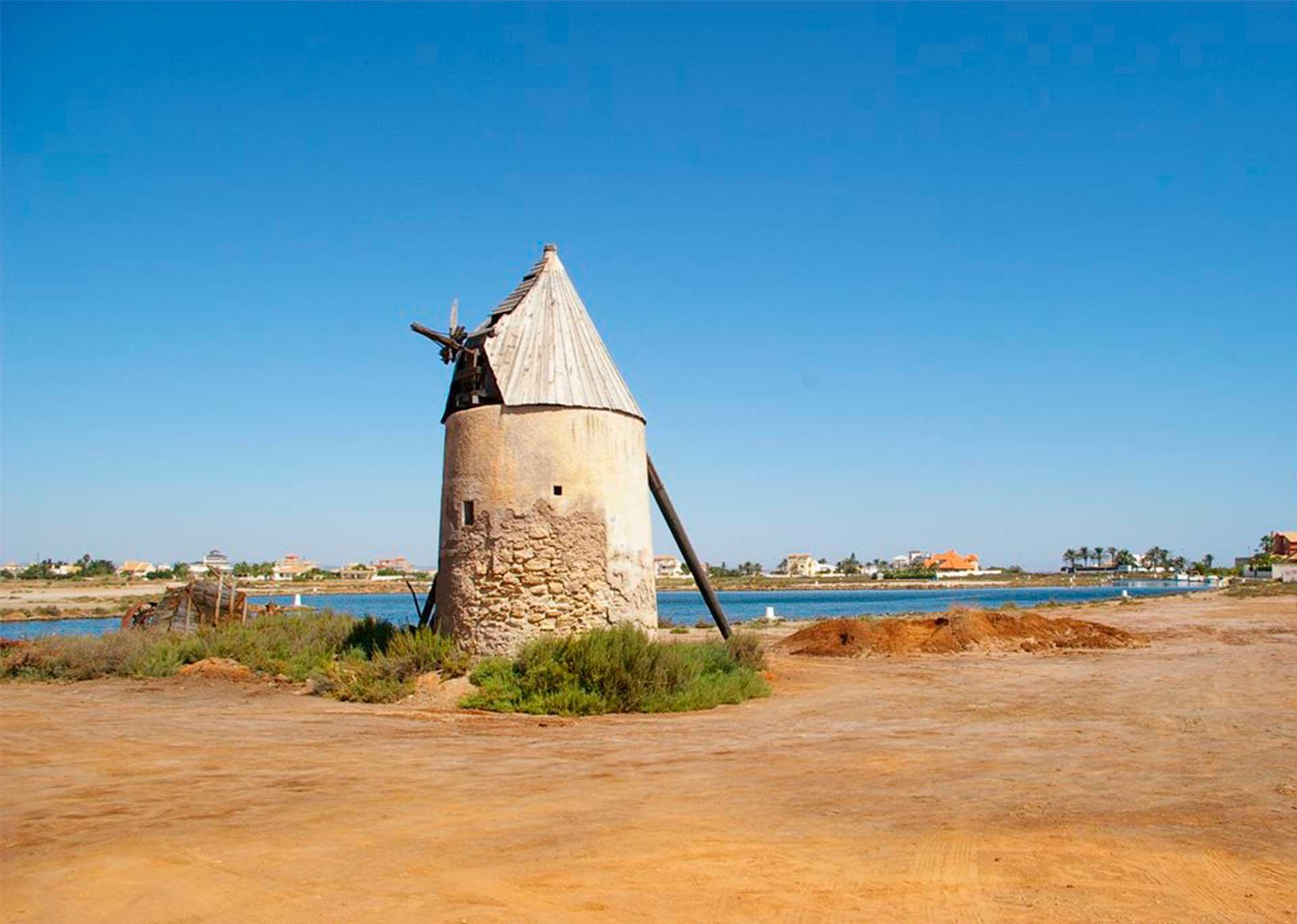 imagen de un molino de viento del siglo XVII